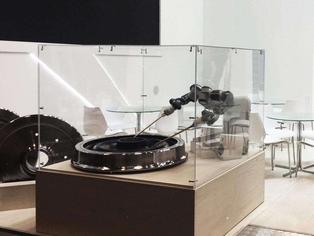 Фото робота на стенде Interpipe от Альпака Экспо Груп
