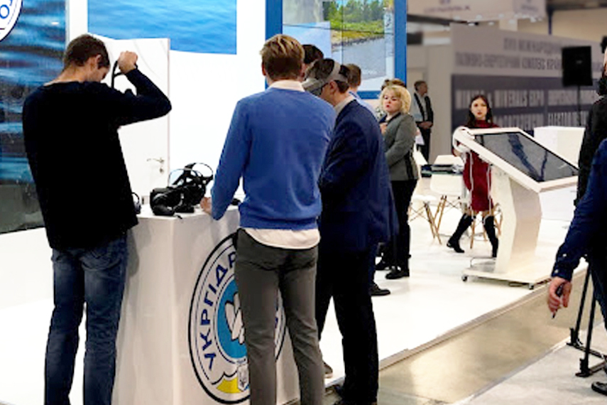 custom stand during Kyiv exhibition with AR VR glasses